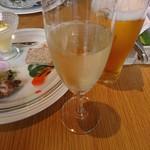 アマルフィイ ホワイトガーデン - スパークリングワイン&生ビール