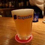 バー・オーガスタ・ターロギー - ☆ヒューガルデンホワイトビール!(^^)!☆