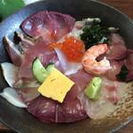 68185013 - 海鮮丼 ¥800