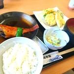 柏崎魚市場 水産物地産地消会館 市場食堂 - 柏崎定食?1,200円