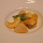 陽明殿 - 帆立貝とアオリイカの炒め 濃厚な雲丹のソースで