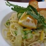 サンセット - ◆娘は「海老と旬野菜のオイルスパゲッティ(1300円:税込) 甘夏を使用した爽やかな味わいのソースで、美味しいそう。