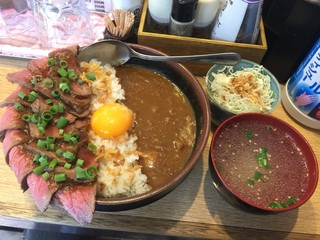 肉焼き じゅんちゃん - ローストビーフ丼&カレー・1200円