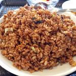 中国美食 唐苑酒楼 - 鰻とご飯が同じ色なので分かりにくいけど、結構沢山鰻が入っていました。
