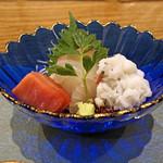 68198452 - お造り 愛媛県八幡浜の鯛、鱧 梅肉で、近海の本マグロ