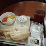 カフェ・ド・クリエ - 料理写真:トーストサンドモーニング、ハム卵520円