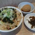 信長ラーメン - Bセット ナパーム丼小、高菜漬、煮卵1個 240円