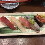 沼津魚がし鮨 - 寿司5貫