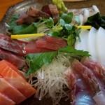 海人居食屋 源丸 - 料理写真:刺し盛り2,3人前