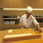 懐石料理 はし本 - 料理長、直々な
