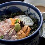 虹晴れ - 料理写真:旬の刺身をふんだんに使った特選海鮮丼。自家製タレにて御賞味ください。ウニ丼、ミニ海鮮丼もあります。
