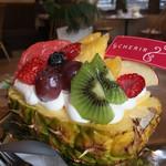 手作りケーキの店 CHERIR - フルーツもたっぷり!