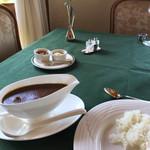 メインダイニングルーム 三笠 - ビーフカレー、とても懐かしい味だった