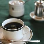 メインダイニングルーム 三笠 - コーヒーも何と無く落ち着いた感じ^ ^