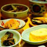 68233136 - 小鉢にいろいろな種類のお惣菜が(*≧∀≦*)