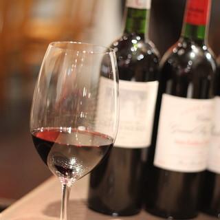 フランス産ワイン約200種類を常時揃えております