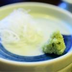 舞扇 - 薬味。辛味の効きがとても良い、山葵