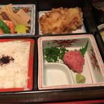滴屋 - 松花堂弁当 1000円。