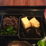 68245023 - 蒟蒻の炒め煮とヒジキの煮物,玉子焼のお惣菜