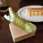 手打ち蕎麦 かね井 - 板わさ と 蕎麦の山葵