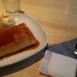 ギフトラボ ガレージ - これは豆腐か?!プリン550円ロレーヌ岩塩のアイスクリーム添え