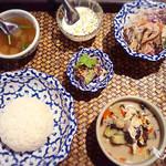 jasumintai - ゲーンキャオワーンガイ(鶏肉のグリーンカレー)セット