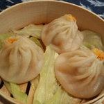 漂香茶館 - 料理写真:蟹入り小龍包