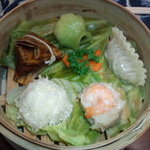 漂香茶館 - 点心(エビ焼売・翡翠餃子・イカ包み焼売・ちまき)