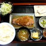 ちとせ - トンテキ定食 800円