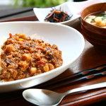 カフェ ジータ - 料理写真:三種類の豆と牛蒡たっぷりの挽肉カレー
