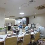 横浜市役所 第三食堂 かをり - '17/06/08 厨房方向を見る