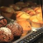 マーガレット タルト カフェ - マフィンも3-4種類おいてあります