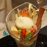 レストラン 間 - スペシャリテ グリンピースをはじめとした15種類の季節の野菜パフェ