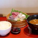 まるさ水産 - 選べる刺身三種盛り定食