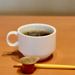 まるさ水産 - 無料ドリンクバーのホットコーヒー