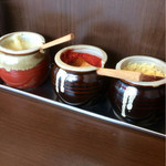 68255938 - 三種の神器。にんにく、豆板醤、生姜。
