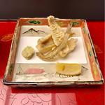 Kochuuan - 鱚と新玉葱             蚕豆、骨煎餅、檸檬、塩