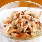 Bistro Cafe GAVA - キノコのギリシャ風マリネ。サッパリです。