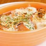 Bistro Cafe GAVA - 牛スジ入りのオニオングラタンスープ