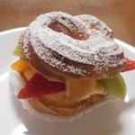 ビッテ - 季節のフルーツのパリブレスト