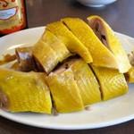 南粤美食 - 東江鹽焗鷄(丸鶏の塩蒸し焼き