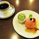 68268600 - ムースフレーズ 400円 + Hotコーヒー 420円 - セット価格 50円 = 770円(税別)。  2017.06.04