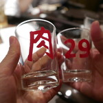 肉山の一階 - 飲み放題で日本酒はセルフ