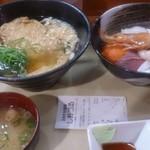 麺亭 しおつる - きつねうどん単品と海鮮丼単品