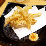 和食天ぷら さくさく - えいひれの天ぷら(¥518)。これは珍しい…七味マヨでいただけば、さきいかのような味わい