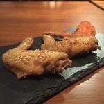 お肉とチーズ Beer STA New Nagoya - 手羽先(スタンダード、スパイシーカレー、激辛スパイス)