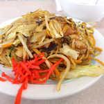 元祖中華つけ麺大王 - 麺は細く、意外なことにソース味はそれほど濃くない。ほんのり甘口に感じられる味付け
