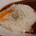 マーリンズバー - 豚角煮・新じゃが・カレーライス+サラダ