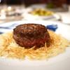 APICIUS - 料理写真:黒毛和牛ロース挽肉の半生ステーキ(スペシャリテ)