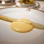 アピシウス - ホワイトアスパラ オランディーズソース